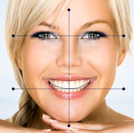 Формула идеальной улыбки включает в себя множество показателей — форму, размер, цвет зубов, а также общие пропорции лица.
