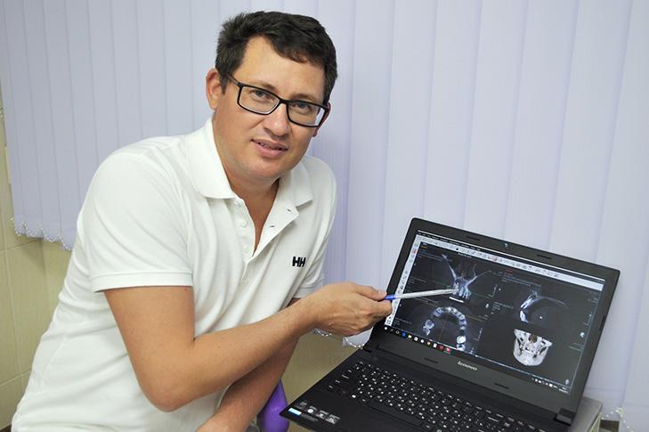 Одной из специализаций Андрея Васильевича является эстетическое протезирование винирами.