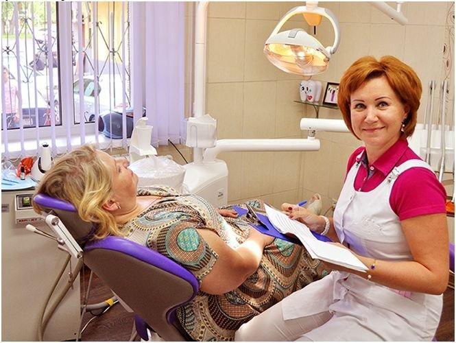 Кабанова Наталья Александровна работает в клинике «Дентокласс» с 1996 года. За два десятилетия она заслужила уважение коллег и искреннюю признательность пациентов.