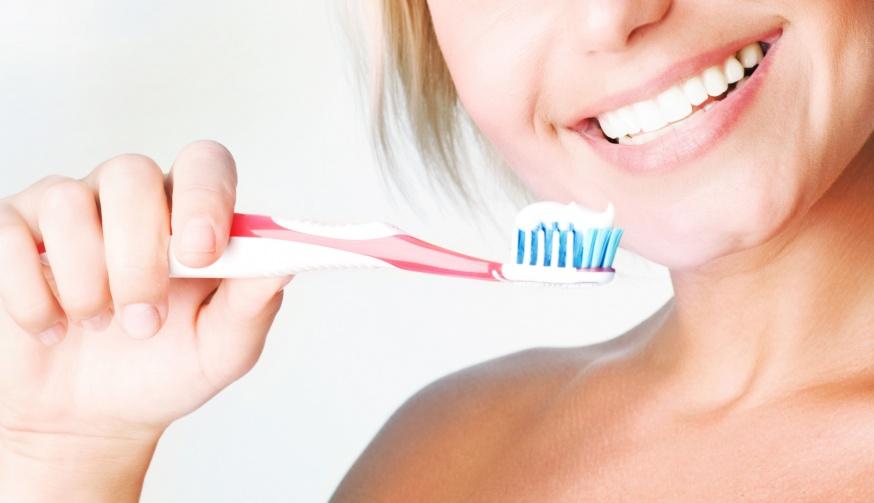 Правильная чистка — эффективная защита от кариеса, а также других заболеваний зубов и полости рта.